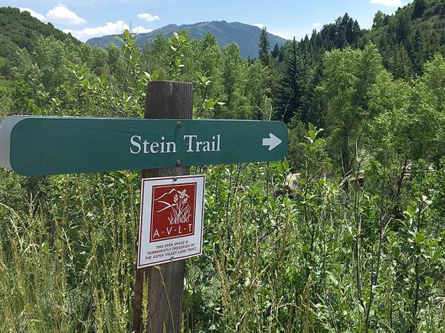 SteinTrailSign