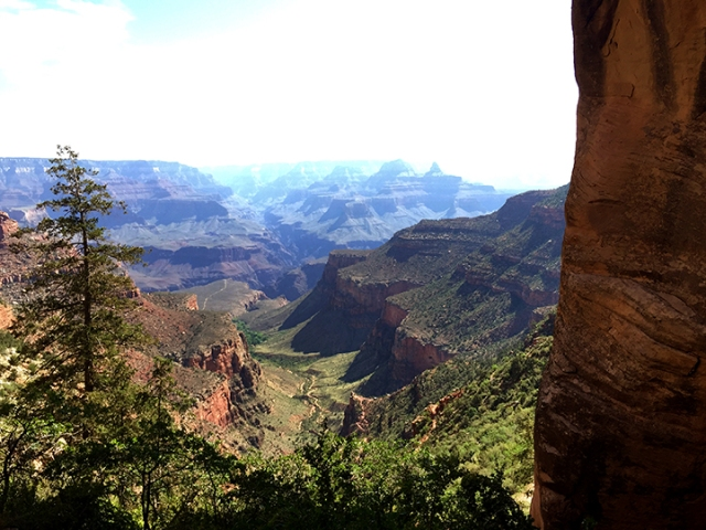 The view along Bright Angel Trail